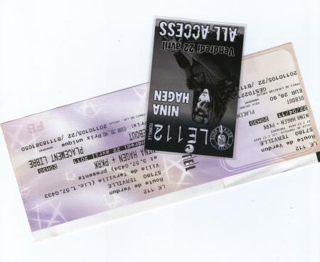 CONCERT DE NINA HAGEN LE 22 AVRIL 2011 AU 112 DE TERVILLE...