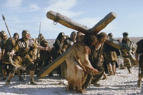 la passion dju christ,un film de mel gibson,quinta communications,société de production,tarak ben ammar,hommage à,la passion de notre seigneur,jésus-christ,mort sur la croix,pour racheter tous les péchés du monde