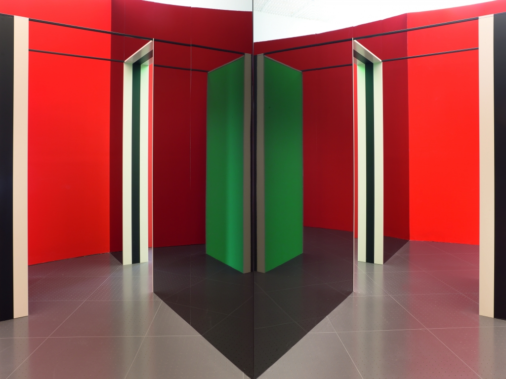 daniel buren dans le reflet du miroir ltc la tour camoufle quelques notes de vers. Black Bedroom Furniture Sets. Home Design Ideas