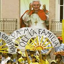 Pape B16 espagne.jpg