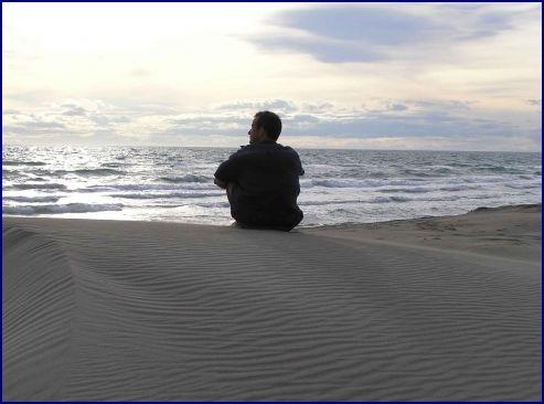 la solitude,teiten pour ltc arts,aya pour ltc arts,jean dorval pour ltc arts,jean dorval poète lorrain,jean dorval,jd,poésie,poésie lorraine,art contemporain lorrain,centre pompidou-metz,metz,moselle,lorraine,france,affectif,amour,fleur bleue,romantisme,non à la malbaise,variations labyrinthiques,erre,exposition,errance,la perte,la déambulation,représentations dans l'art contemporain