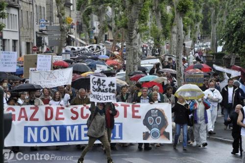 GAZ DE SCHISTE,« MONSIEUR LE MINISTRE, NE SIGNEZ PAS ! »,Permis d'hydrocarbures de schiste,une décision cruciale et politique.contre l'exploitation du gaz de schiste,pour le respect de l'environnement,