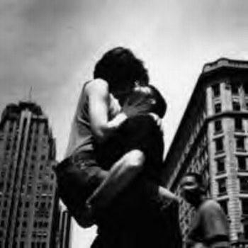 coup de coeur,amour,coup de foudre,jean dorval pour ltc,vivre la saitn-valentin autrement,la saint-valentin n'est pas une fête commerciale,vivre d'amour et d'eau fraîche,sentiment,être à deux,deux,l'amour n'a pas de sexe,fidélité,une ode à la vie à deux,fleurs,poésie,centre pompidou-metz