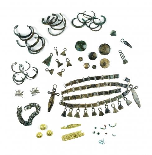 jean dorval,ltc grands reportages,pour ltc grands reportages,metz,musée de la cour d'or,metz métropole,kevin alexandre kazek (kak),conservateur des collections archéologiques,l'exposition des offrandes pour les dieux ?,les dépôts d'objets métalliques,à l'âge du bronze,en sarre et lorraine,moselle,lorraine,grand est,centre pompidou metz,ethnologiques et numismatiques au musée de la cour d'or,metz métropole,âge de bronze
