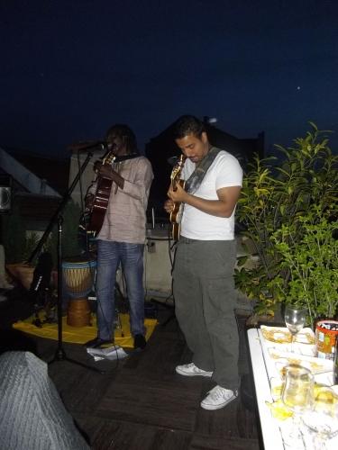 djembé,jean dorval pour ltc live,ltc live : la voix du graoully,la scène ltc live,la communauté ltc live,la galerie en promenade,centre pompidou-metz,metz,moselle,lorraine,concert-expo,06 mai 2011,dou dou diouf,musique africaine,l'art africain contemporain,yvon sousini,amine azidine,reggae,tiken jah fakoly,marathon de metz